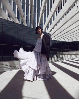 Photography: Andreas Ortner Styled by : Sayuri Bloom Hair & Makeup: Carolin Jarchow Model: Justine Guneau