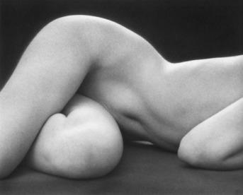 Ruth Bernhard, Hips, Horizonzal, 1975